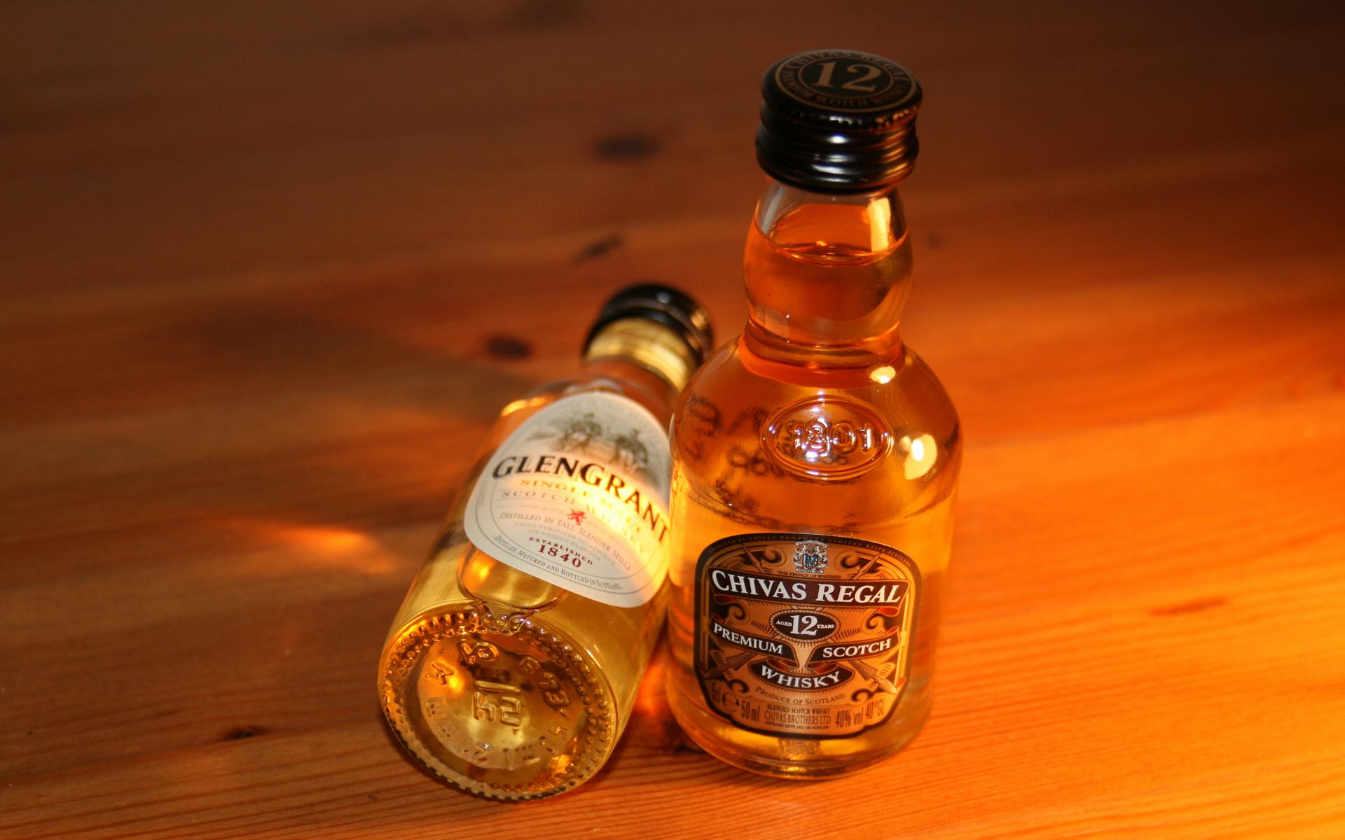Картинки маленьких бутылочек с алкоголем