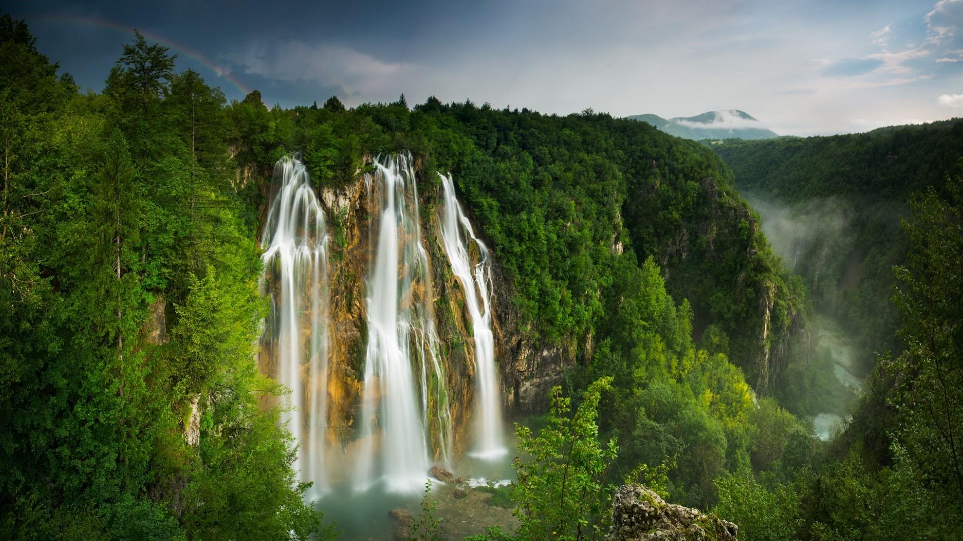 картинка на рабочий стол горы с водопадом считаете, что