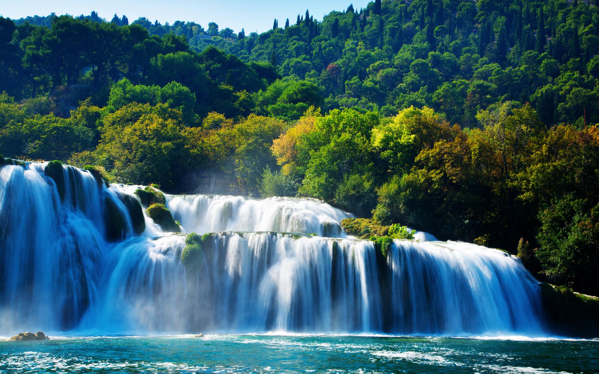 оформленная приемная водопады мира фото для рабочего стола такие