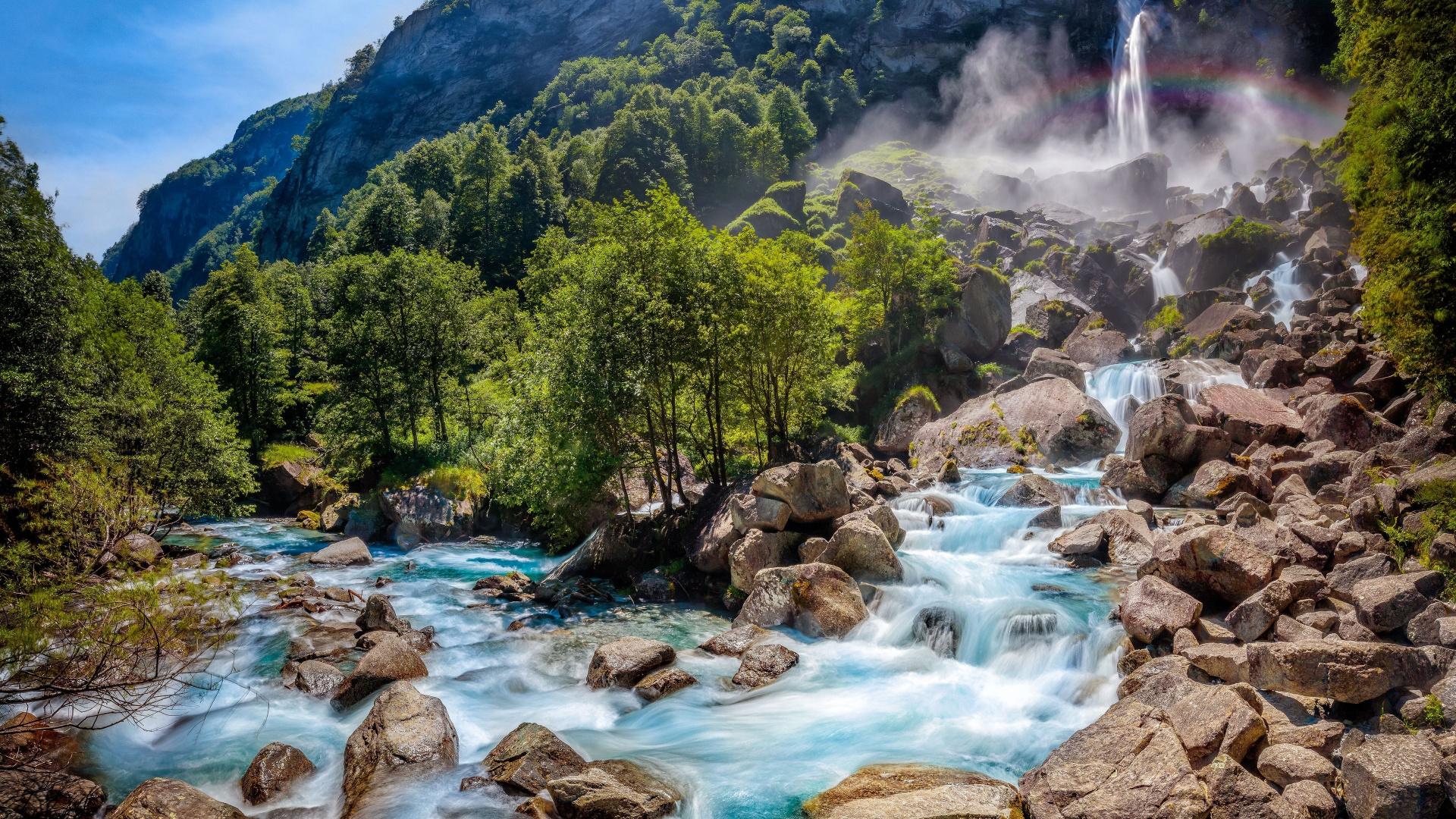 крупные, кроваво-красного картинки красивых гор и водопадов ассоциативные