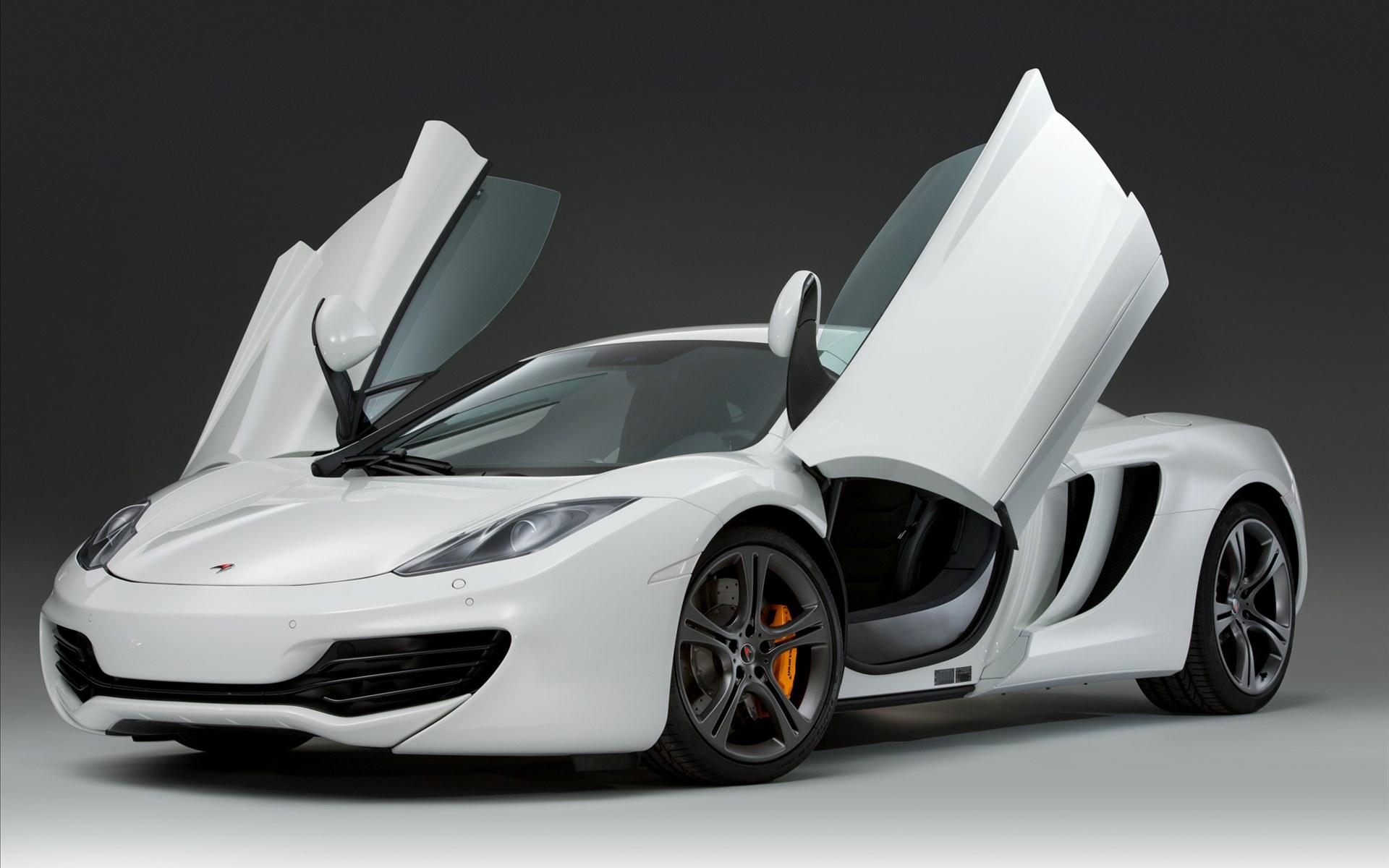 белый спортивный автомобиль mclaren white sports car  № 996080 загрузить