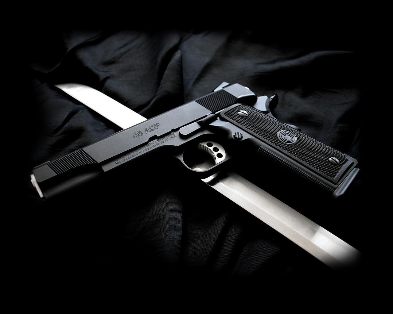 Новогодняя, картинки с надписями оружие
