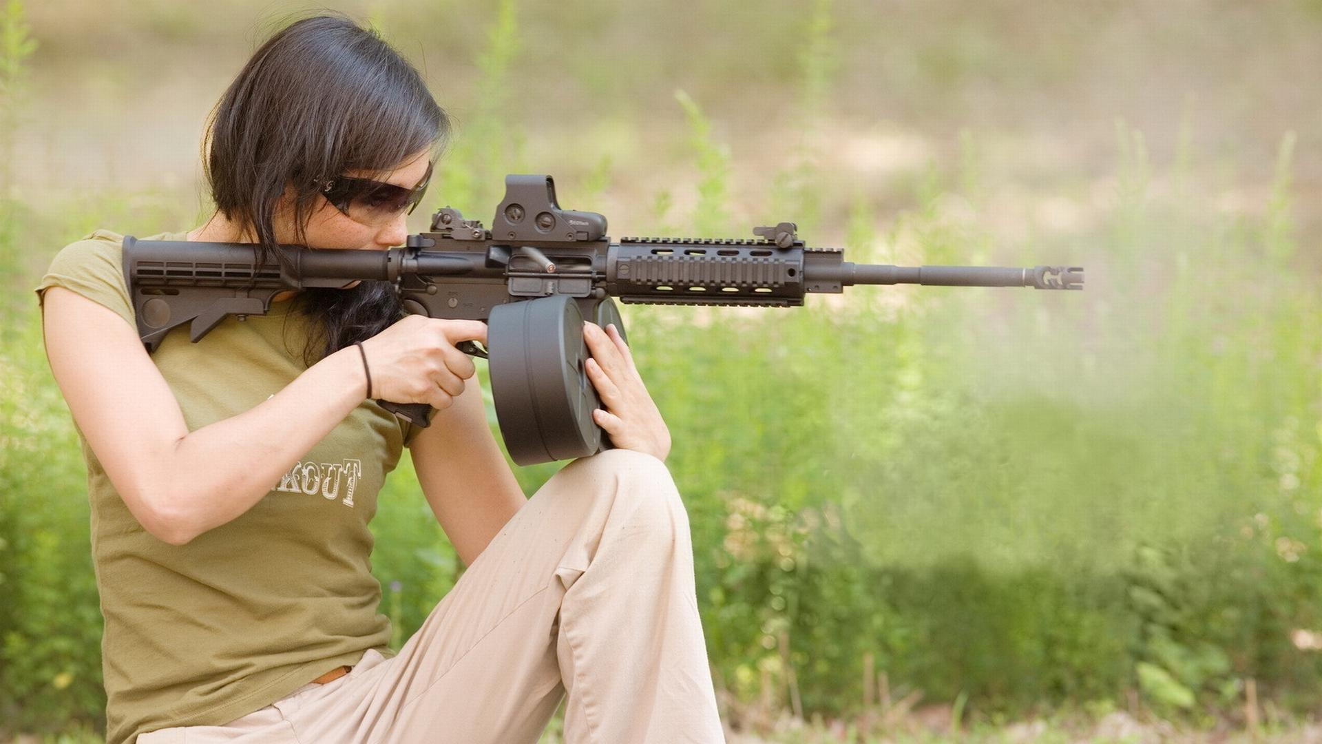 рисунок девушка собака оружие загрузить