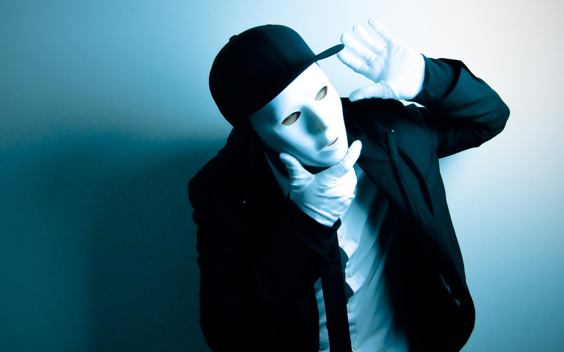 ещё фото картинки на аву с масками театрального отделения