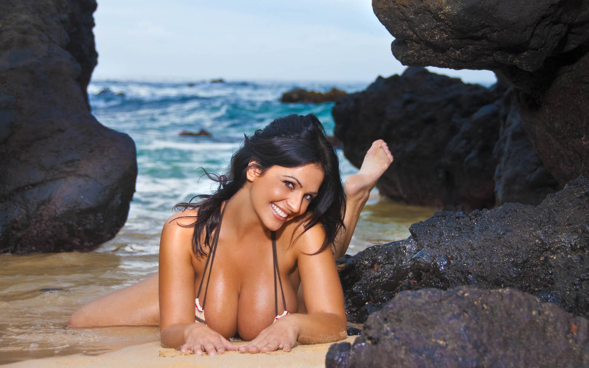 Denise milani nude gallery