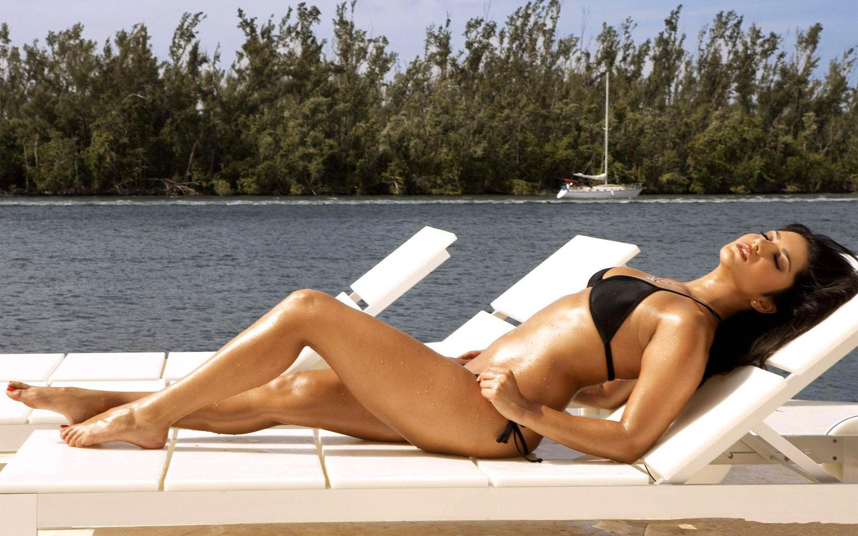 Katrina kaif in bikini