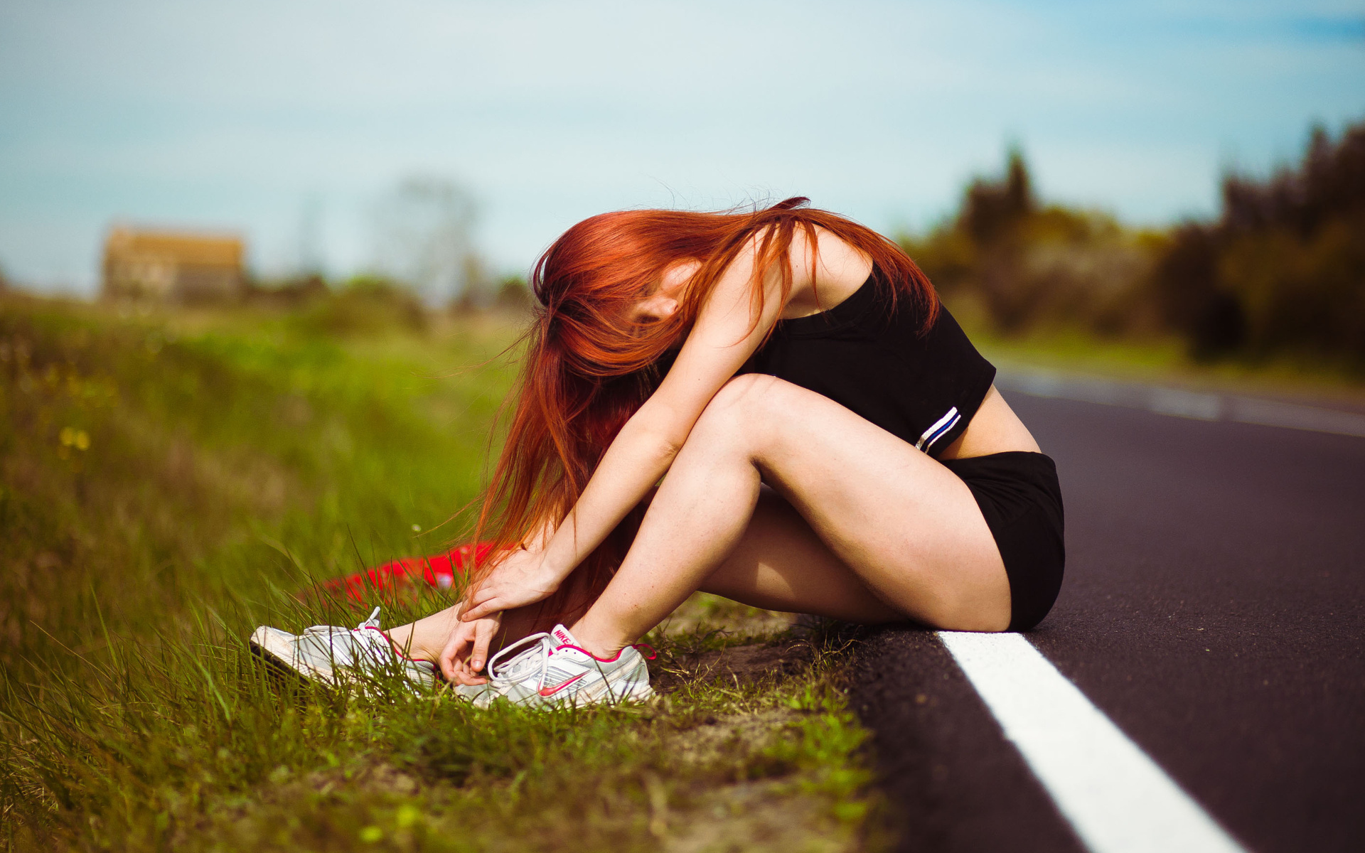 Большегрудую красотку фотки рыжих девчонок со спины красивая порно