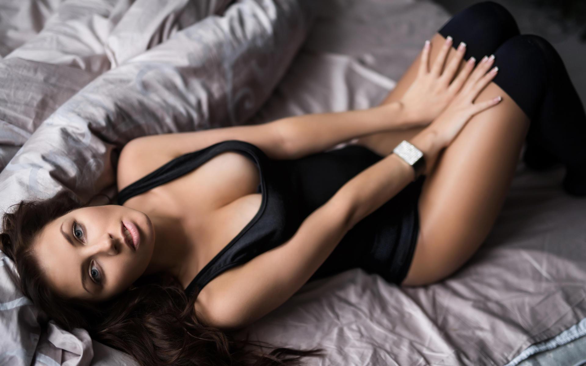 Felicity Jones Hot Sexy
