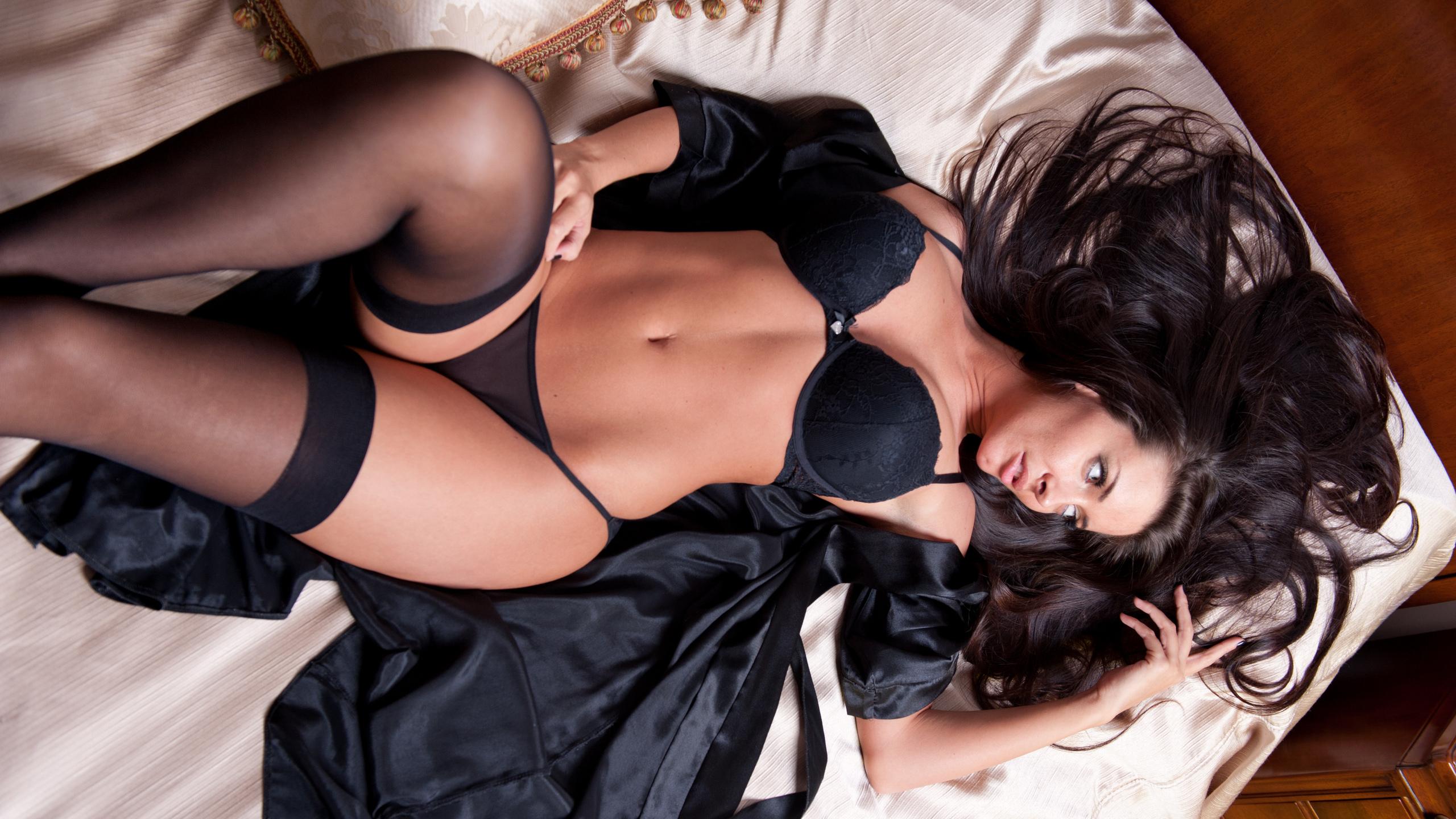 Попу эротические фото с черными девушками порно фото женщин