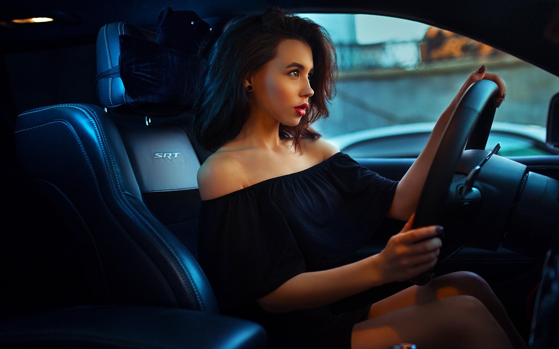 И картинки красивые в машине, девушек аватарку прикольные