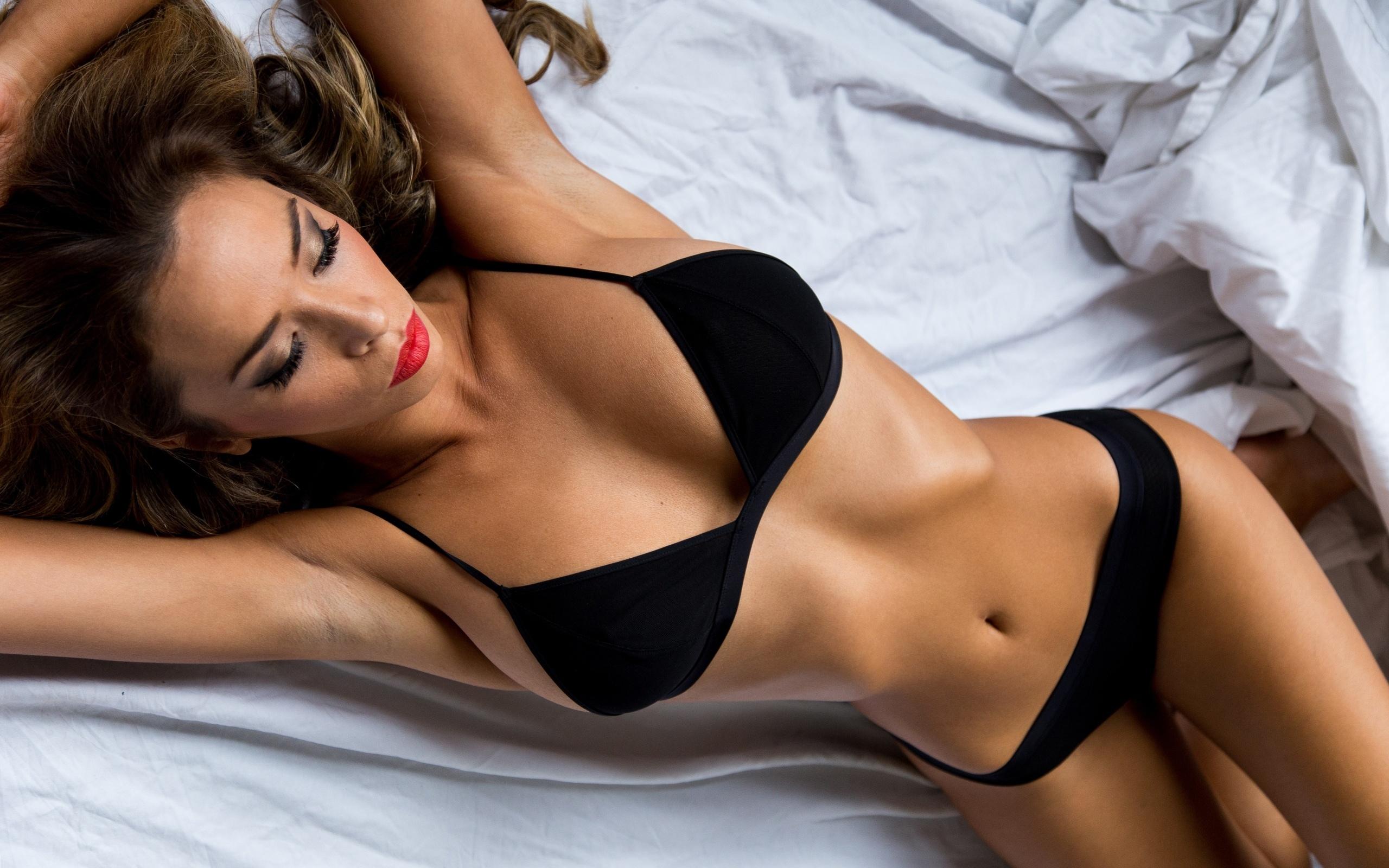 Онлайн видео девушки с самым красивым телом сперме фото