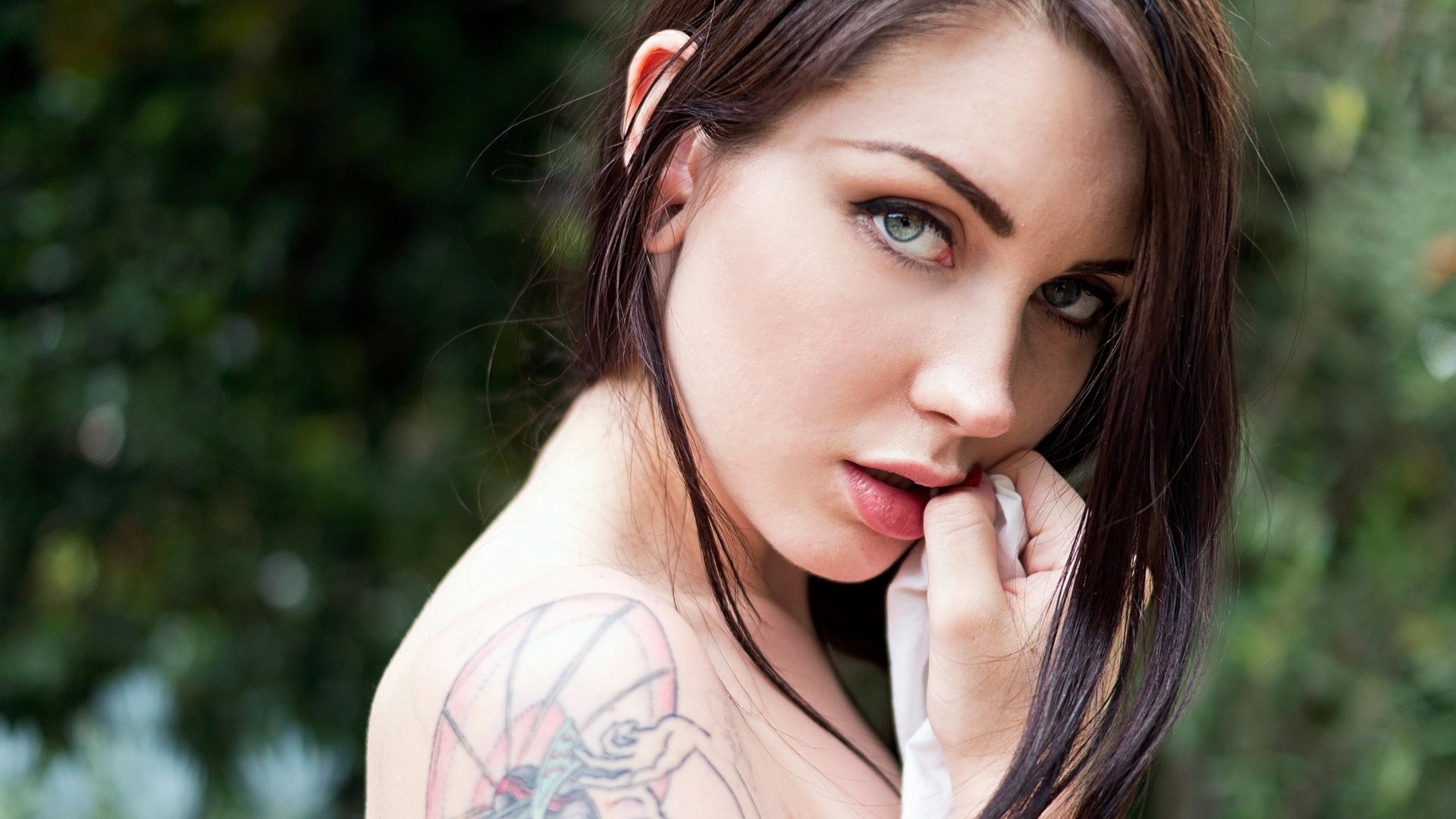 Tube download suicide girl video white