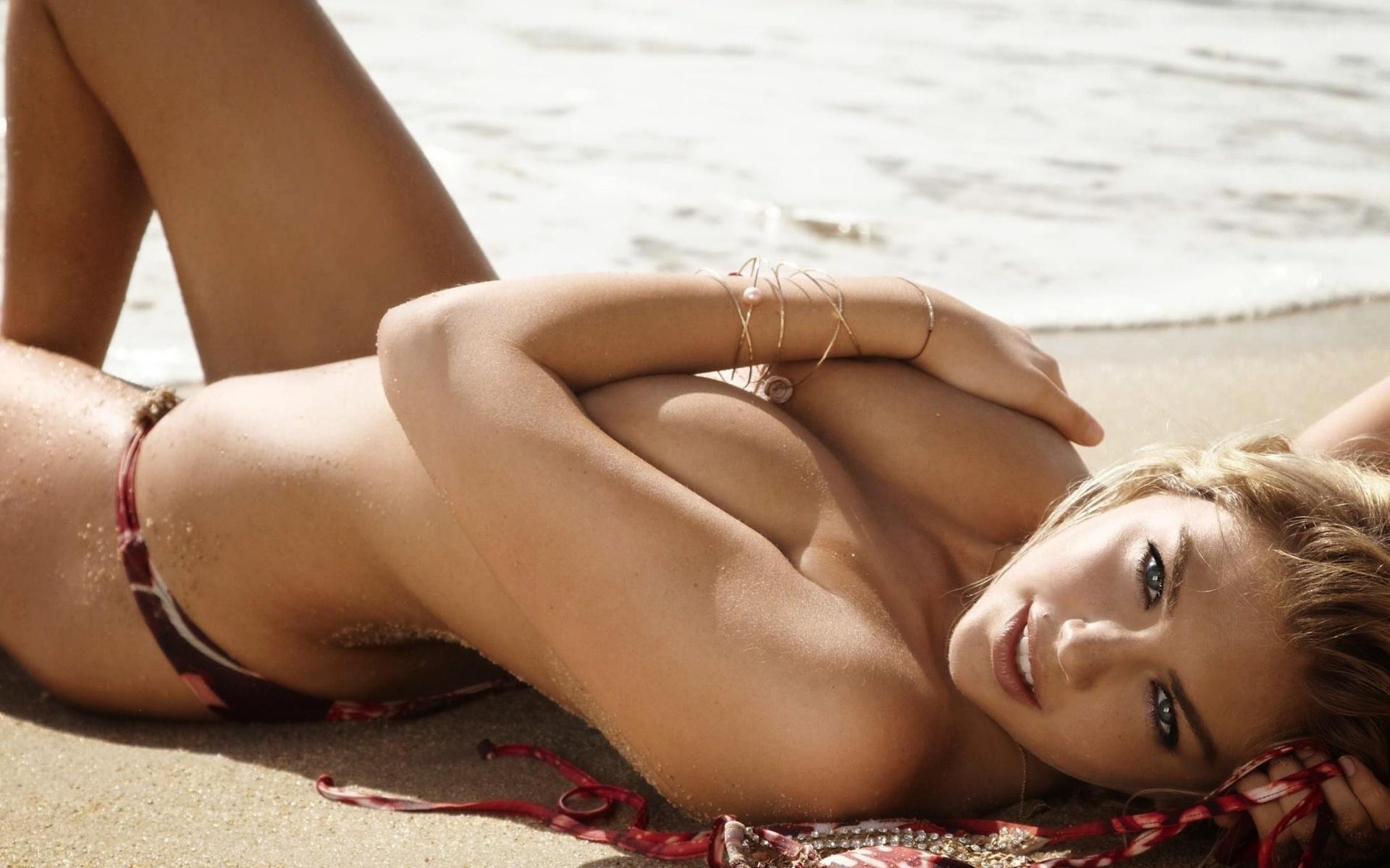 Women most beautiful topless woman japan brucelee