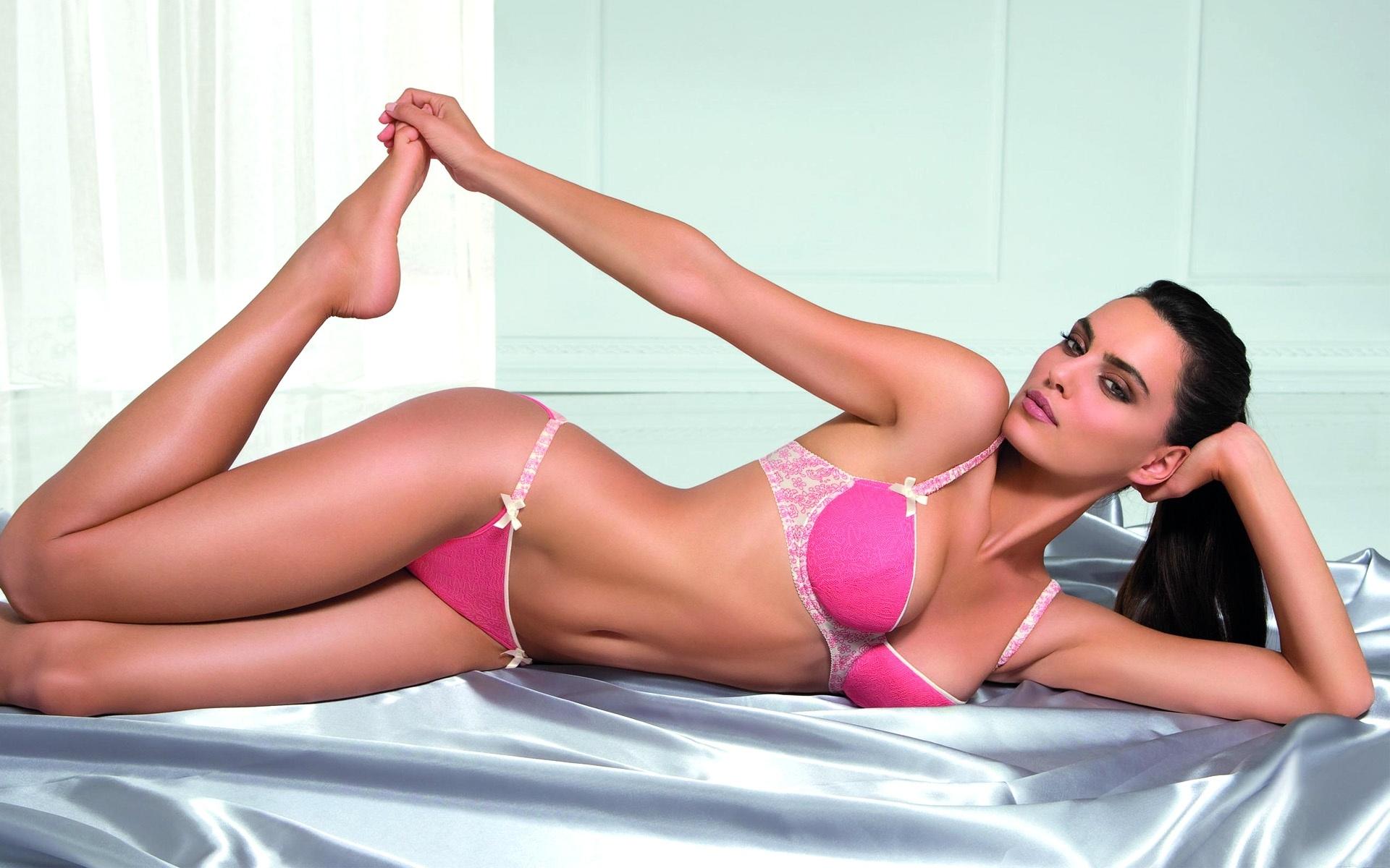 super-model-lingerie-bikini-q-pictures
