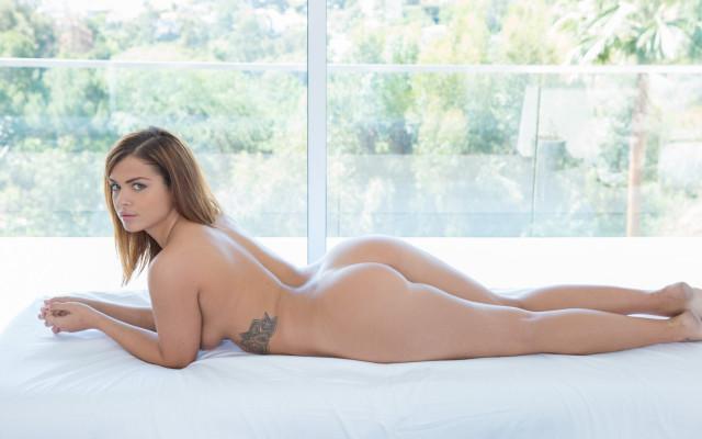 Keisha Grey Posing 1