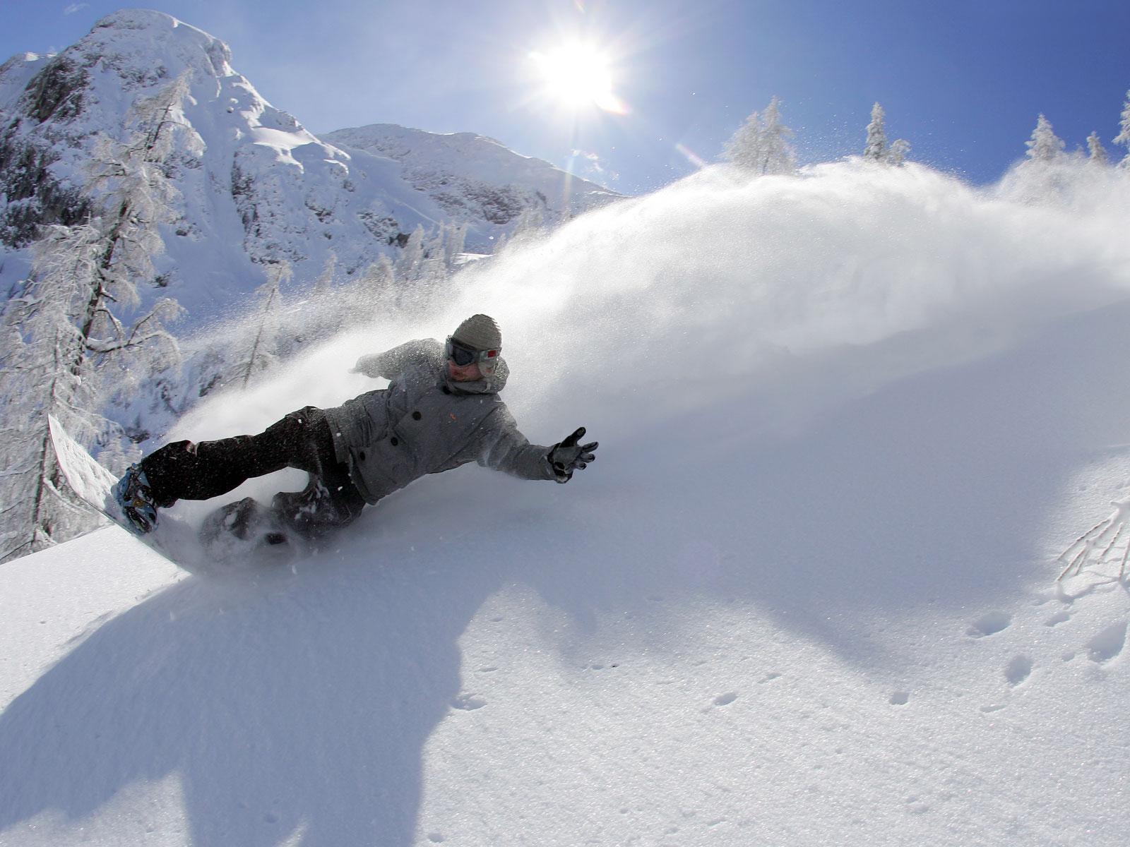 сноубордист вираж снег солнце  № 3559605 загрузить